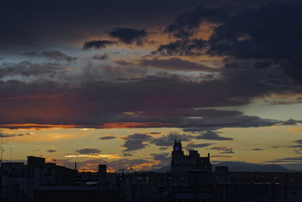 sunset1.thumb.jpg.24f2746620f17dce1d6901bdcb45fbc7.jpg