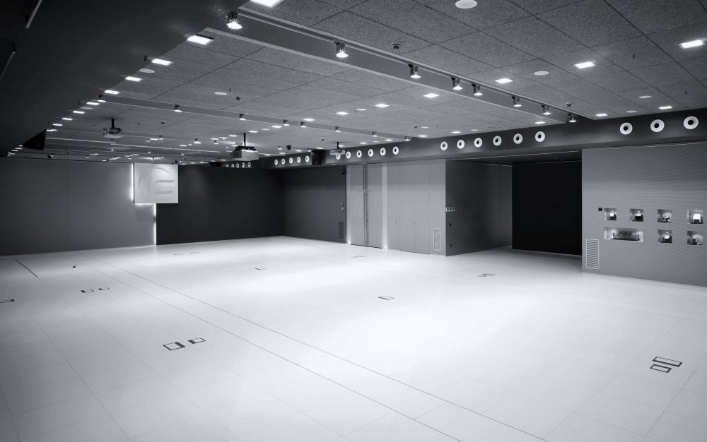 showroom.thumb.jpg.fd285b47116f4ad28dceb75943a575e6.jpg