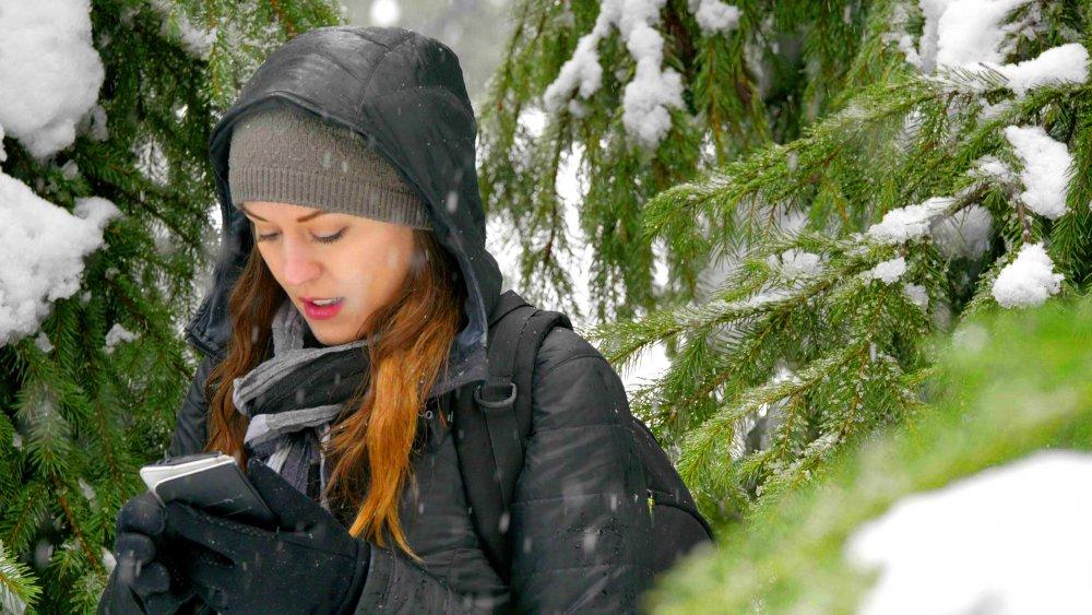 60p Snow Handheld.00_00_01_44.Still004.jpg