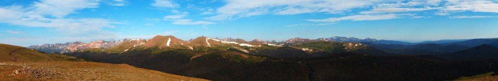 4076_4086_Rockies Pano.jpg