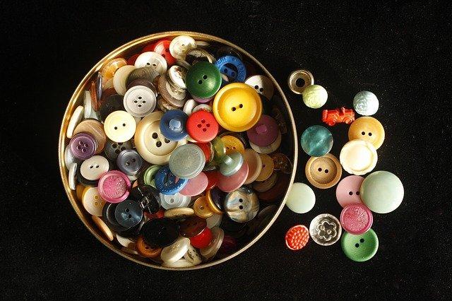 buttons-841621_640.jpg