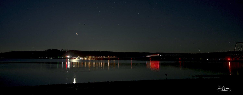 Saturn, Jupiter, Mars, Moon conjunction panorama from Hood Canal Bridge medium size _DSC4367.jpg